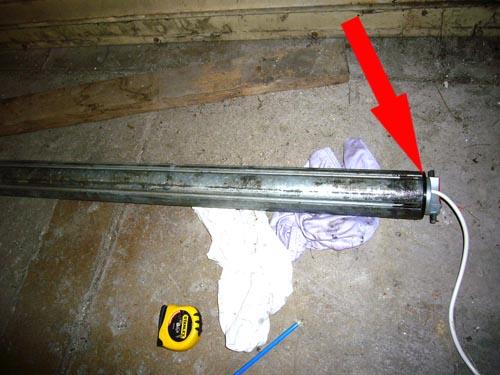 Changement du moteur simu t6 de porte de garage enroulable for Comment changer un barillet de porte de garage