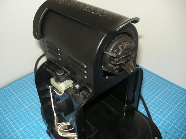 changer unité de brassage Nespresso Magimix M100